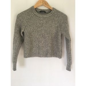 Brandy Melville Crop Cable Knit Sweater